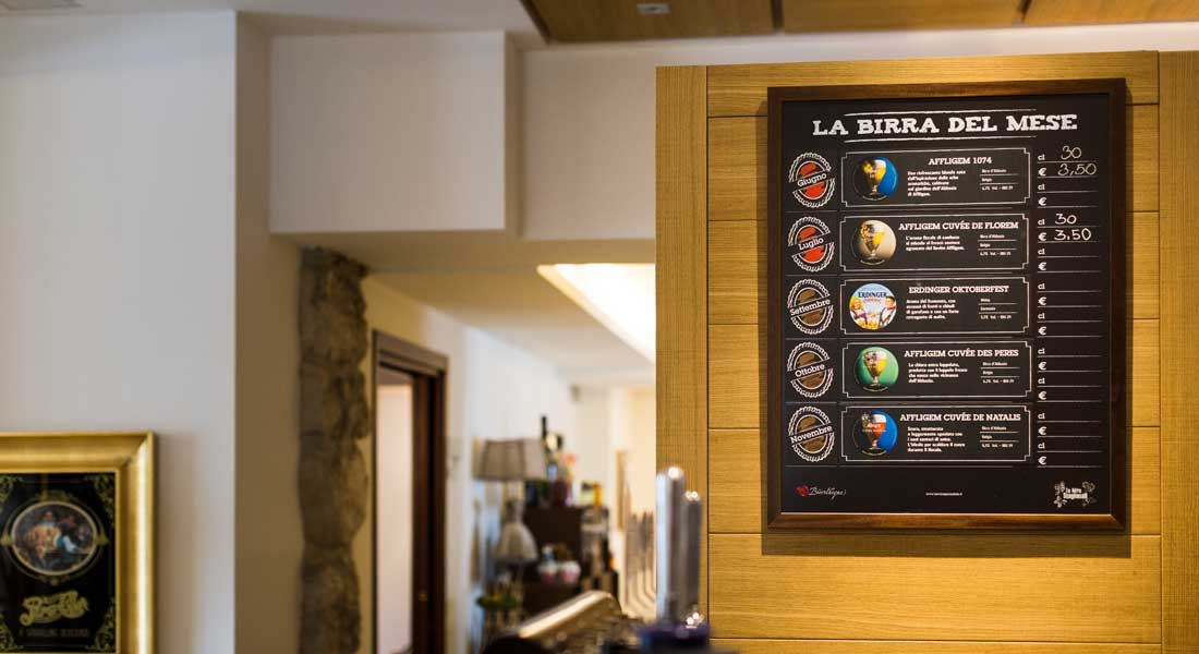 Bar Hotel Caffè Centrale è aperto tutti i giorni fino all'una